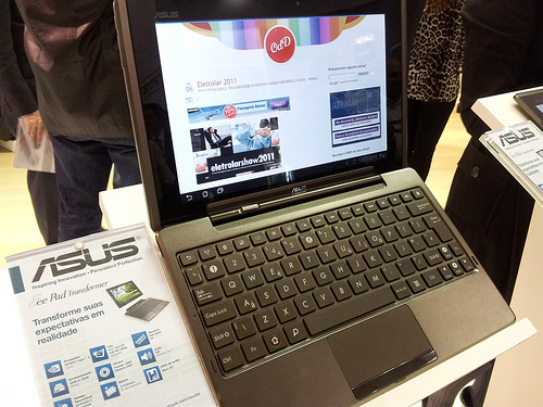 ASUS EEE Transformer getting good reviews